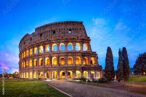 Fotografija Kolosseum in Rom bei Nacht