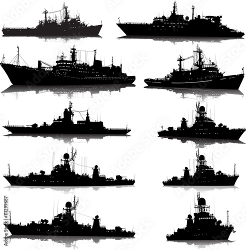 Photo Vector set of 10 silhouettes of the military ship