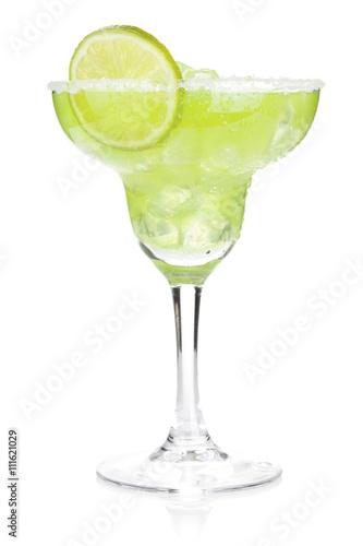 Fotografía Classic margarita cocktail with salty rim