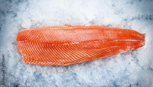 Photo Salmon fillet on ice