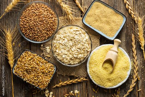 Leinwand Poster Getreide Sammlung auf Holzuntergrund