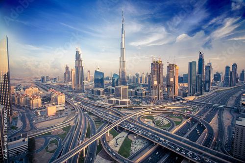 Obraz na plátne Dubai skyline in the evening
