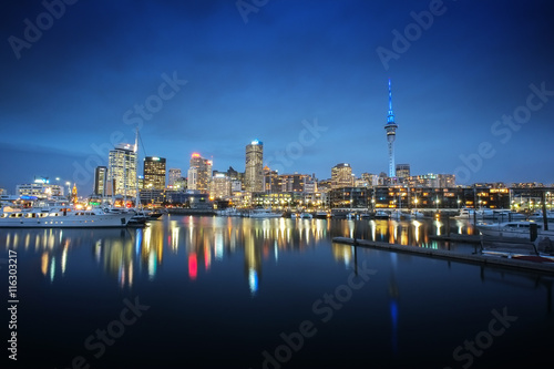 Auckland cityscape at night, long exposure and selective focus at building
