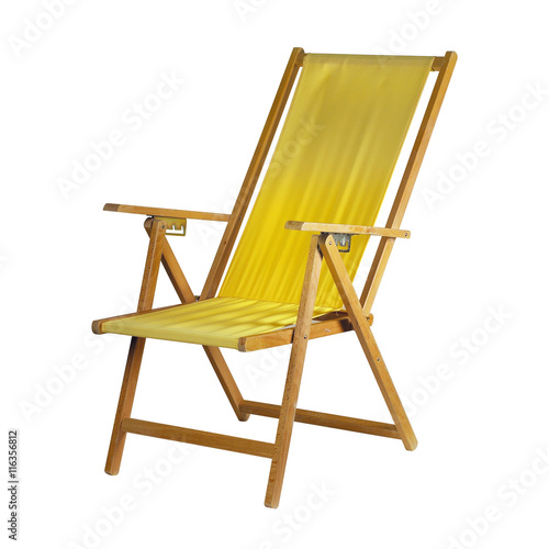 Cuadros en Lienzo Yellow deck chair isolated on white background