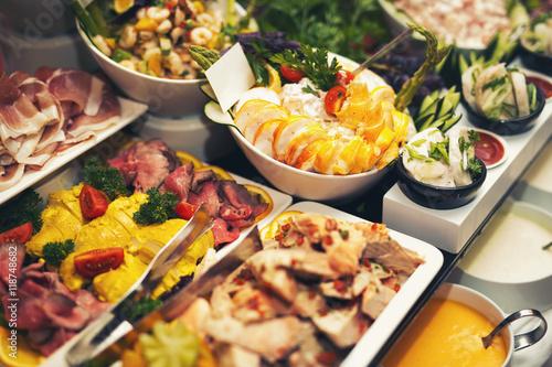 Carta da parati Luxury food wedding table in hotel or restaurant