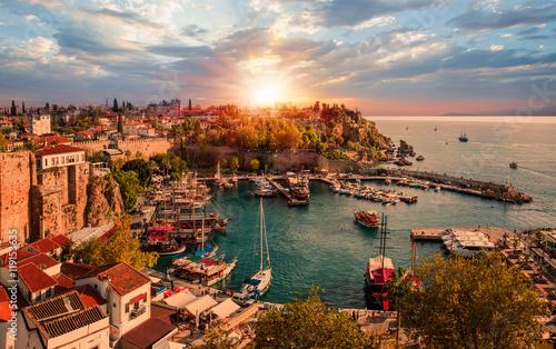 Fototapeta premium Stare miasto (Kaleici) w Antalyi, Turcja
