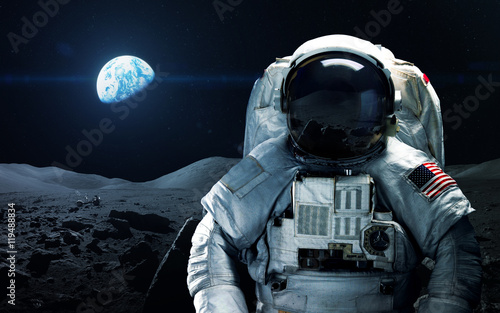 Stampa su Tela Brave astronaut at the spacewalk on the moon