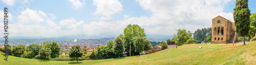 Oviedo Panorama vom Monte Naranco Spanien Nordspanien Asturien (Asturias)
