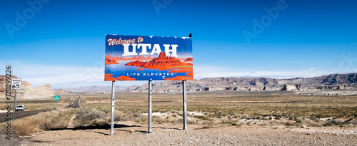 Fotografie, Obraz Welcome to Utah billboard on Highway 89 through the desert