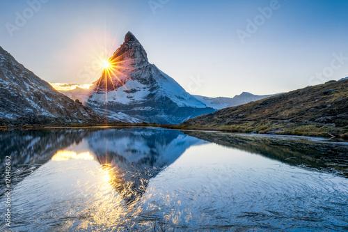Canvas Print Riffelsee und Matterhorn in den Schweizer Alpen