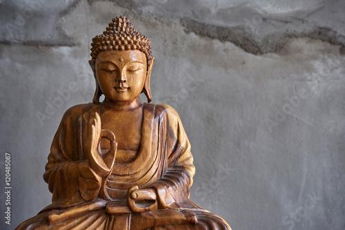 Hölzerne Buddha-Statue Fototapete
