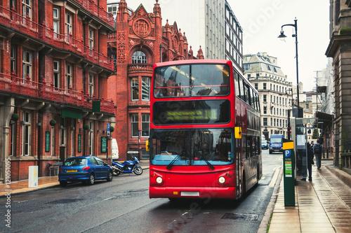 Double-decker bus in Birmingham, UK Fototapet