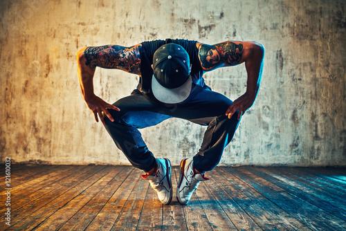 Canvas Print Young man break dancing