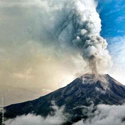 Fotografie, Tablou Tungurahua volcano eruption, Ecuador