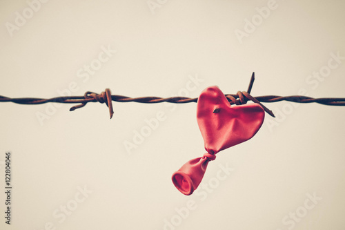 Love and obstacle Fototapet