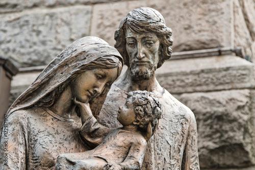 Fototapeta Sculpture of the holy family