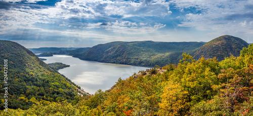 Obraz na plátně Panoramic view from Breakneck Ridge