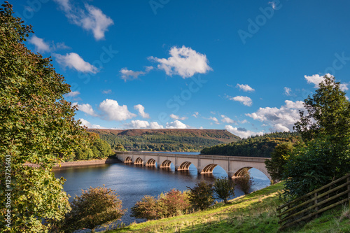 Fotografering Ashopton Viaduct above Ladybower Reservoir, which are located in the Upper Derwe