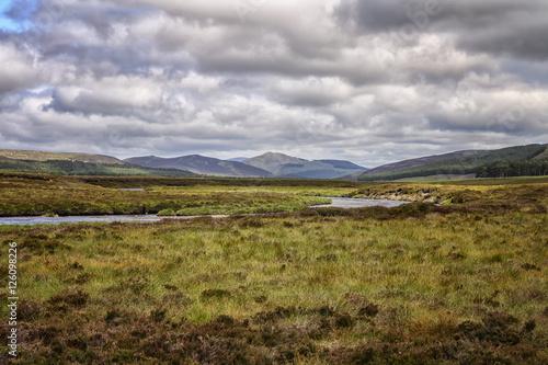 Loch muick in Scotland Fototapete