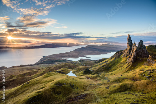 Sunrise at the most popular location on the Isle of Skye - The Old Man of Storr Fototapeta