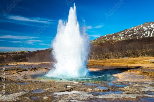 Slika na platnu Strokkur geysir eruption, Golden Circle, Iceland