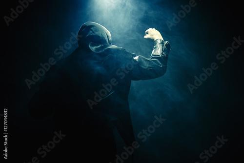 Fotografía Mann Nebel Faust Hand