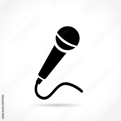 Fotografia Ikona mikrofonu na białym tle