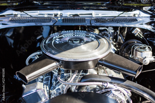 фотография V eight engine
