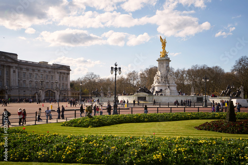 Photo Buckingham Palace and Victoria Memorial