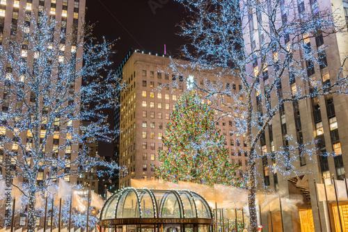 Canvas Print New York - DECEMBER 20, 2013: Christmas Tree at Rockefeller cent