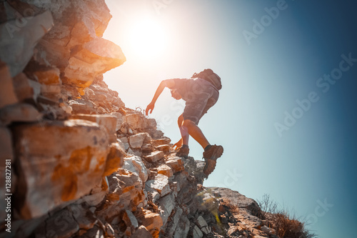 Canvas Print Hiker crossing rocky terrain in the Bryce Canyon National Park, USA