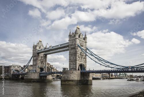 Fototapeta premium wieża most