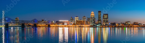 Obraz na płótnie View of  Skyline downtown Louisville