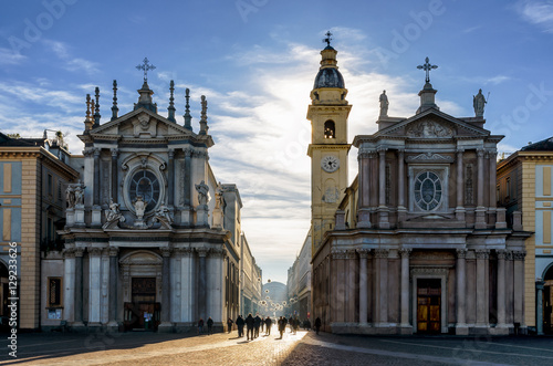Obraz na plátně Piazza San Carlo, one of the main squares of Turin (Italy) with its twin churche