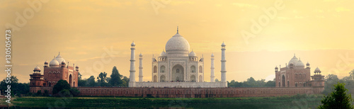 Obraz na plátně Taj Mahal mausoleum back view from Mehtab Bagh, Agra, Uttar Pradesh state, India