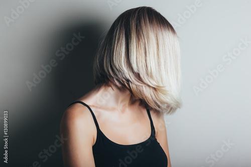 Stampa su Tela Bob haircut