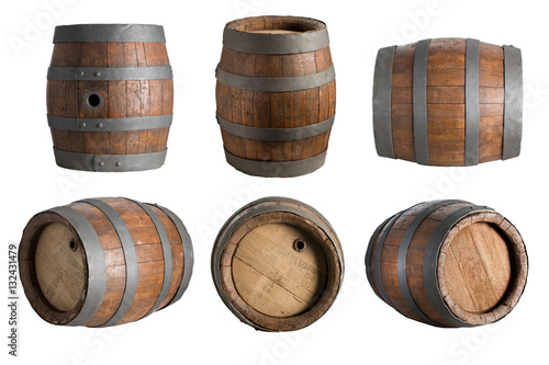 Photo six angle wood barrel, cask, isolated on white background with clipping path