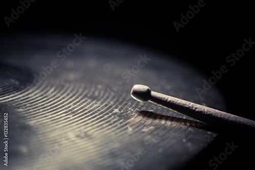 Fényképezés Drum stick and cymbal detail
