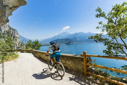 Obraz na plátně Mountain biking on Lake Garda, Sentiero della Ponale, Riva del G