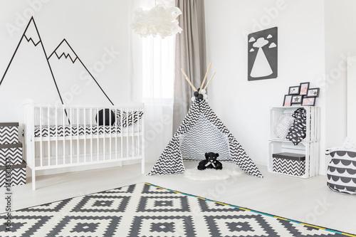 Fotografia Spacious room with tipi