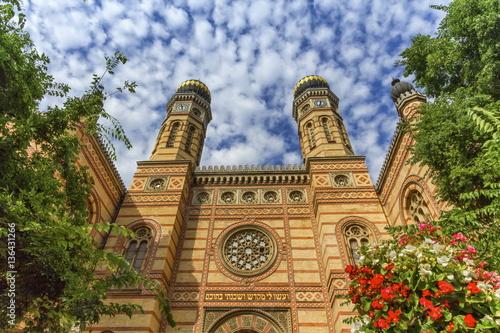 Obraz na płótnie Dohany street synagogue, the great synagogue or tabakgasse synagogue, Budapest,