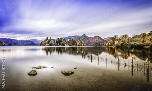 Fotografiet Derwent water in the District Lake amazing landscape
