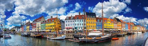 Canvas Print Colorful houses at Nyhavn, Copenhagen, Denmark