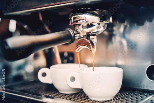 Fotografia Proffessional brewing - coffee bar details