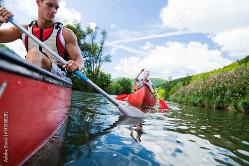 Foto Young People Canoeing