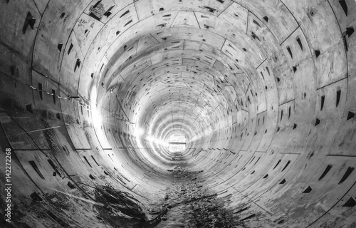 Nowa okrągła konstrukcja tunelu podziemnego dla linii metra