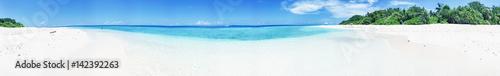 Fotografia Panoramic view of Maldivian Sea and Island