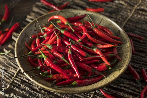 Obraz na płótnie Raw Organic Red Thai Peppers