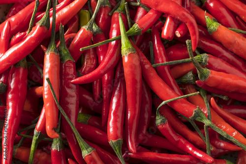 Fotografia Raw Organic Red Thai Peppers