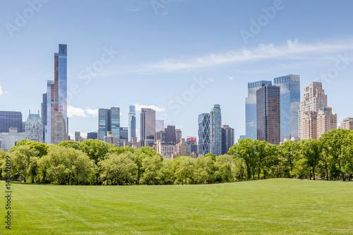 Foto Manhattan skyline view from Central park in New York.